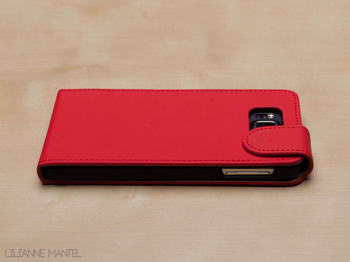 Samsung Galaxy Alpha hoesje van de zijkant.